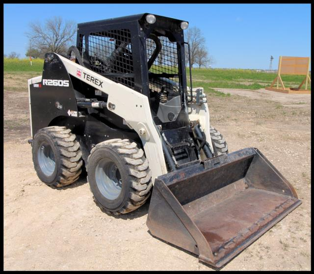 Where to find SKID LOADER, 74HP, TEREX in Lampasas